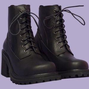 UNIF commando boots